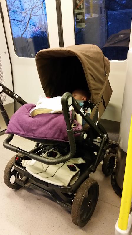 bebis på tunnelbanan