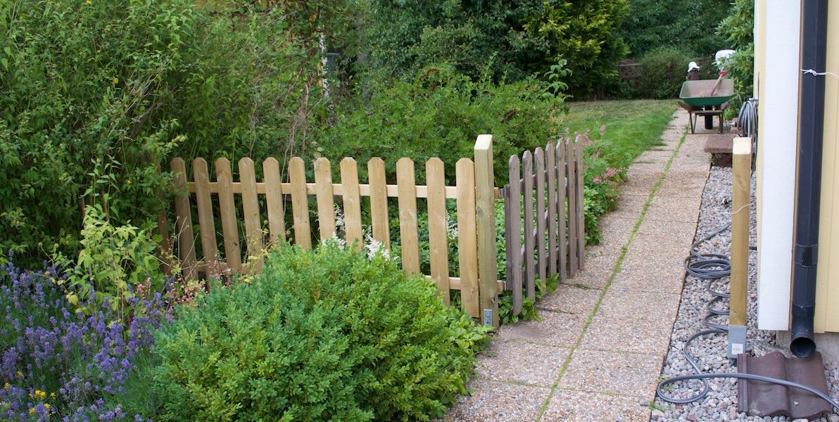 staketbygge i trädgården 3