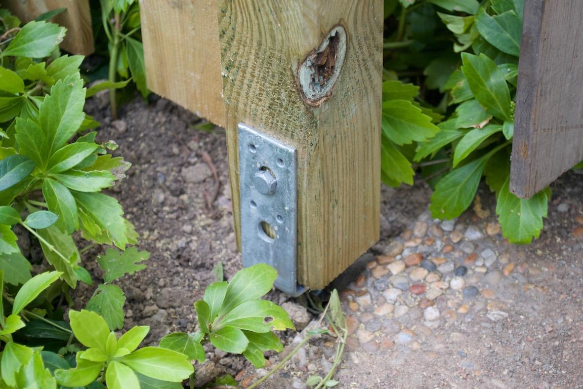 staketbygge i trädgården 4