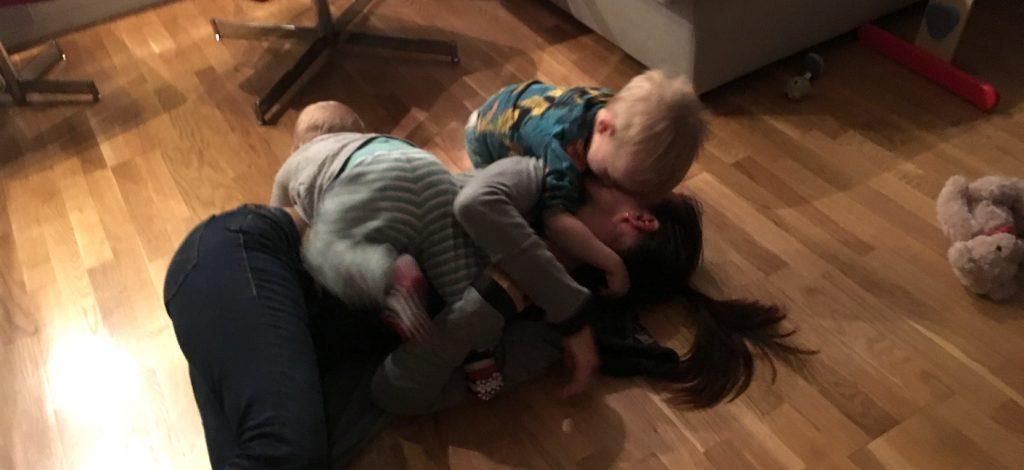 behöver barnvakt