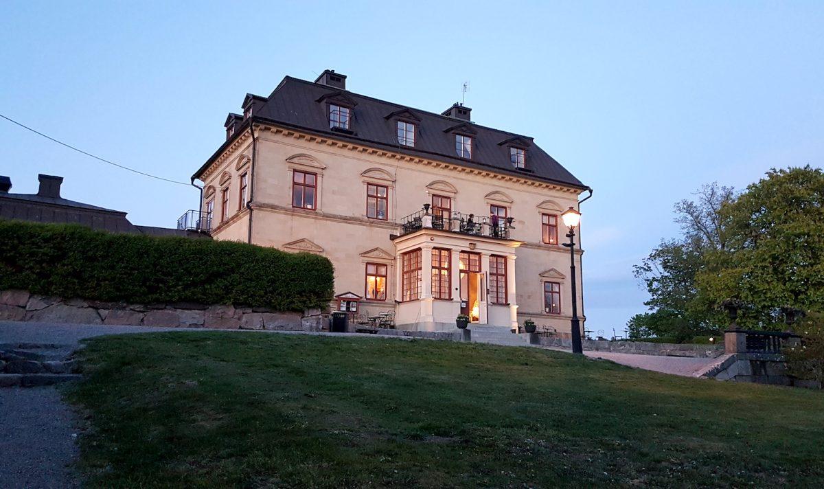 Vi firade hans födelsedag på Görvälns slott och restaurang Galleriet