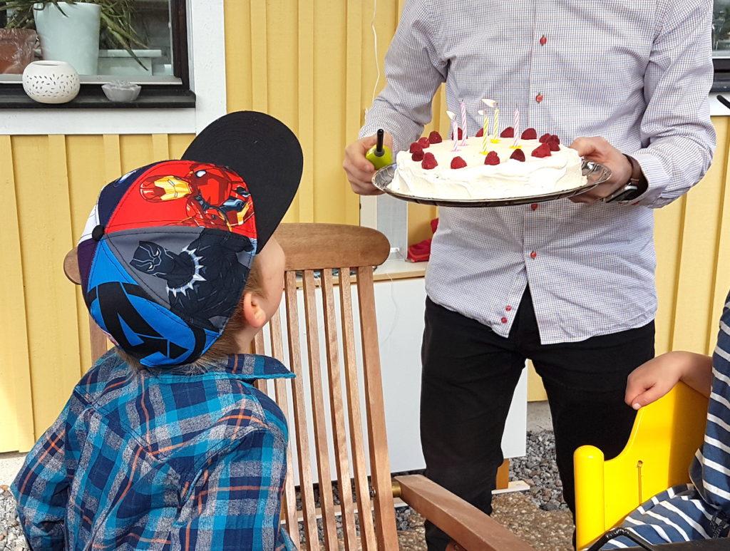 femårskalas födelsedagstårta