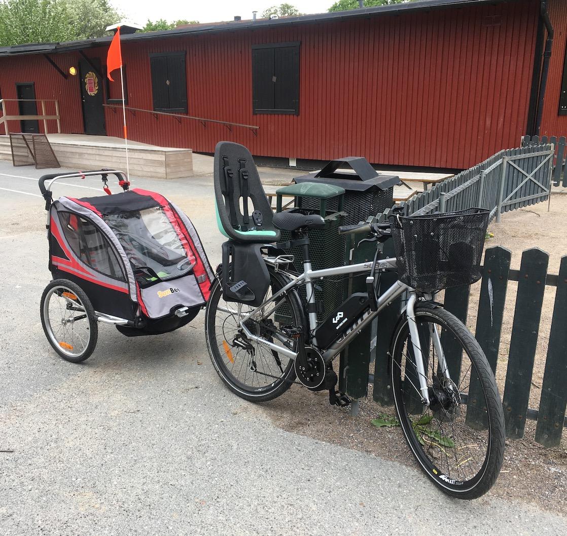 Hejdå vår gamla barnvagn – Hej vår nya cykelvagn!